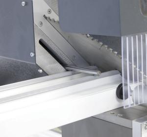 Masina de taiat full automat profile PVC si AL doua capete  TT 405 (4)