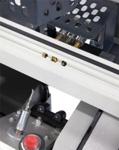 Utilaj manual de frezat pentru maner si locasul mecanismului de inchidere (3)